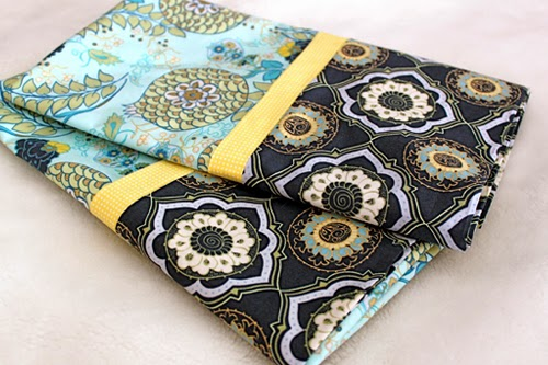 15Minute Pillowcase (with French Seams) - Tutorial