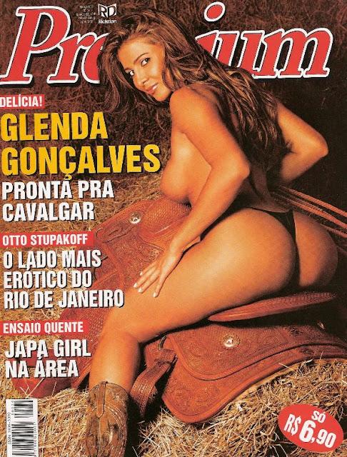 Confira as fotos da modelo e assistente de palco, Glenda Gonçalves, capa da Sexy Premium de março de de 2006. Secundário  Miyuki!