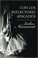 Con los Reflectores Apagados *website*:
