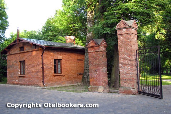 The Guard's House in the Loshica Estate - Belarus