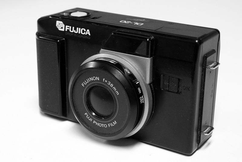 Random Camera Blog: Fujica DL-20 - Pocketful of 35mm Fujifun