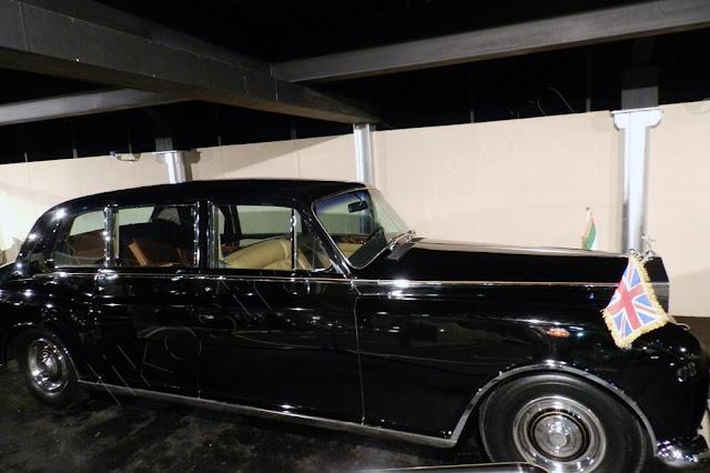 Rolls Royce Pantone 6 Silver cloud