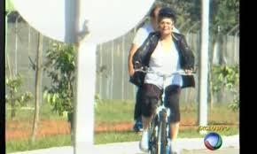 Tia Dilma deixa pedaladas fiscais de lado e vai pedalar bicicleta em Brasília