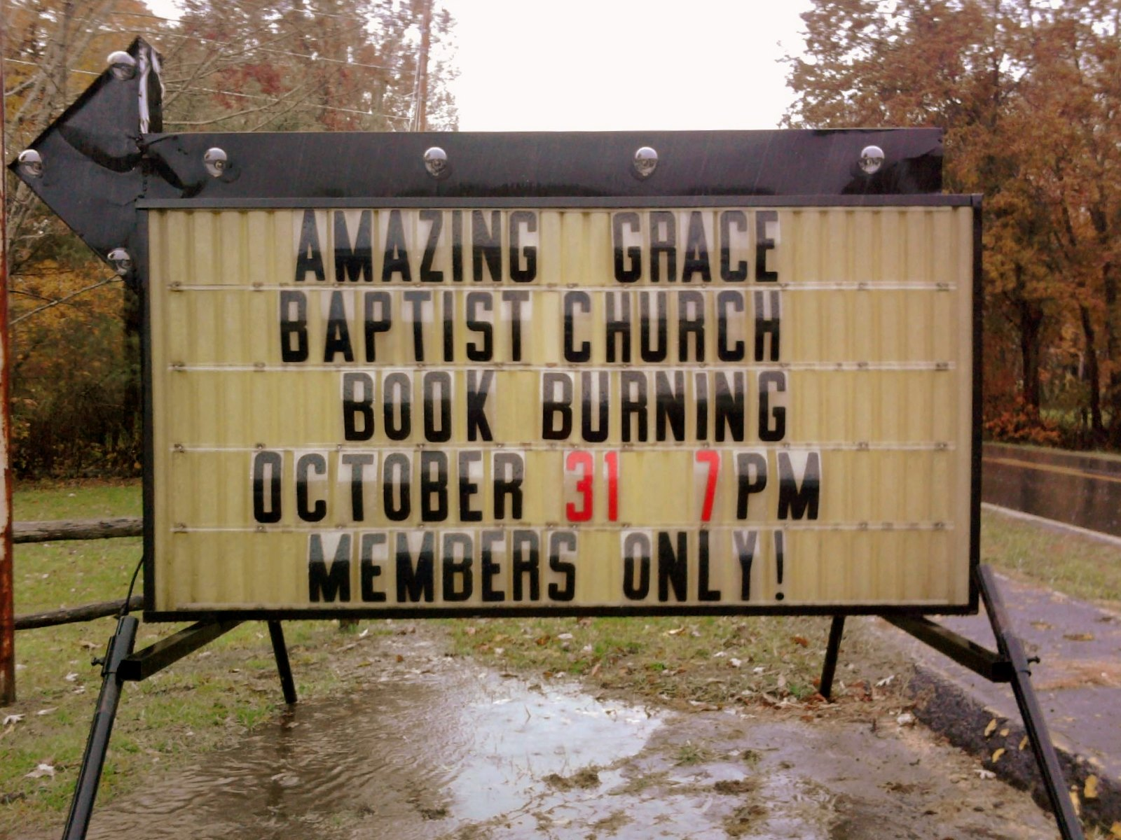 the carpetbagger the bible burning