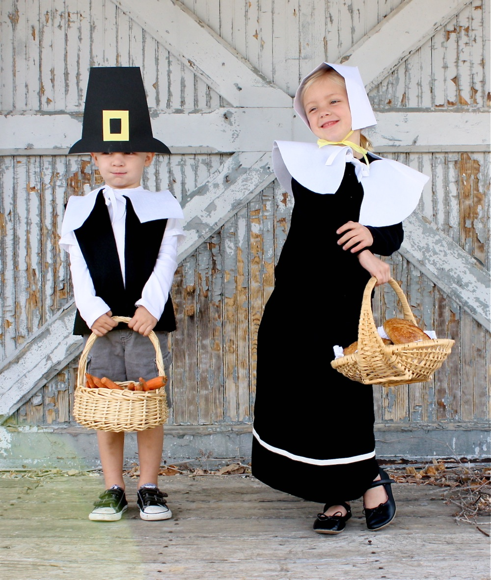 Pretend pilgrims made everyday made of felt fabric and paper the outfits are very simple to makeyou could easily whip up a batch of hats for a school class in a night solutioingenieria Choice Image