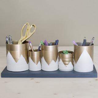 cara memanfaatkan kaleng bekas untuk dijadikan tempat pensil