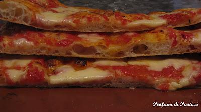 Pizza in teglia croccante