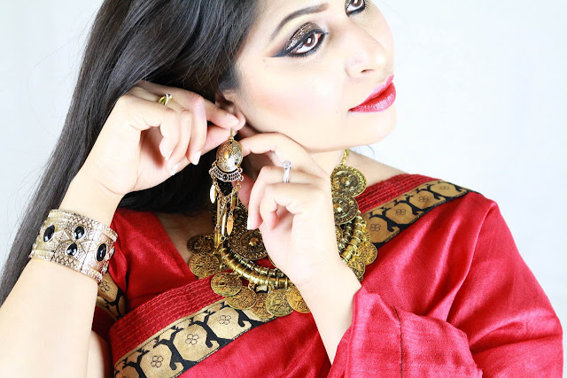 Eid Makeup - Makeup Revolution Baked Highlighter - Golden Lights