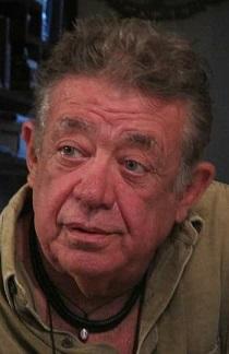 Curador e produtor cultural Nando Cosac é encontrado morto em Caldas Novas