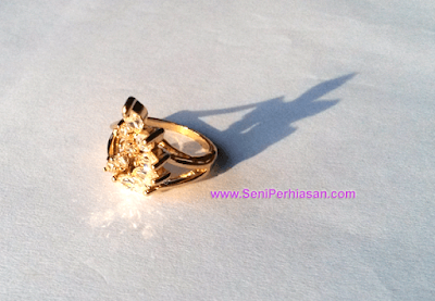 Cincin Xuping Diamond BeeHive