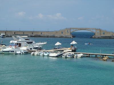 اجمل شواطئ العالم ؛ شاطئ المنتزه montaza ؛ montazah