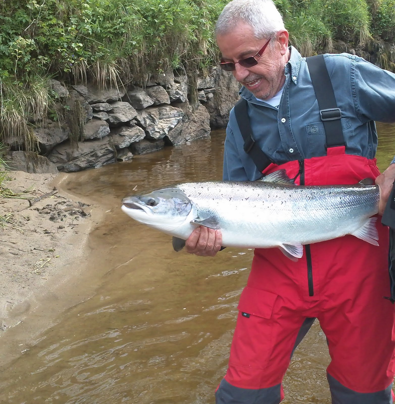 Trout salmon fishing in scotland for Salmon fishing near me