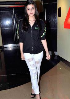 aliaa bhutt beautiful body