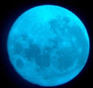 Fenomena bulan biru di bulan agustus 2012