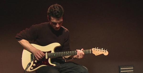 Kỹ thuật học guitar đệm hát cho hai tay 1