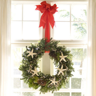 By the Sea: Coastal Holiday Wreath Ideas