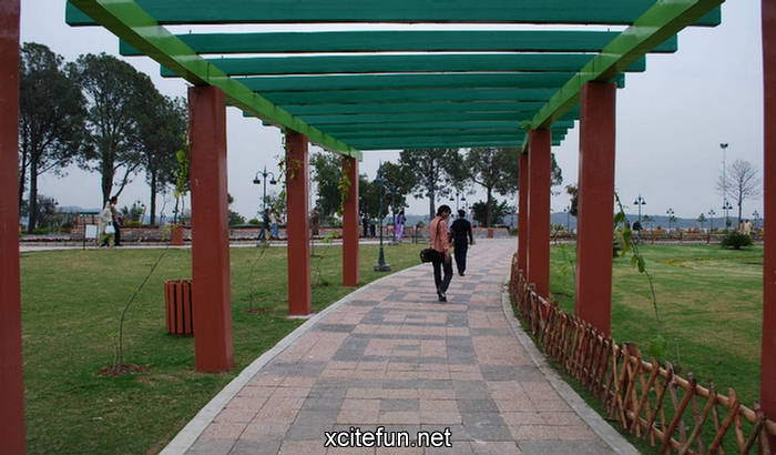 dating places in islamabad Now that those days are over women have been put back in their catholic places dating nica guys machismo hangs heavy in the nicaraguan air.