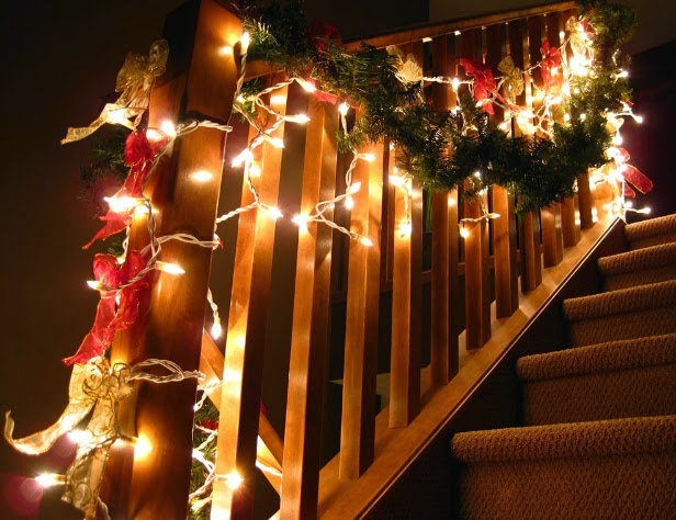 6 Maneras diferentes de colocar las luces de navidad en tu hogar