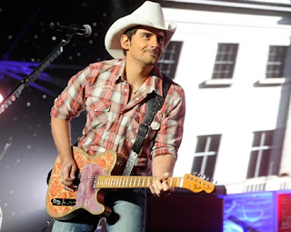 Creative Brad Paisley Fans Send 'Bobblehead Brad' Across the Country!