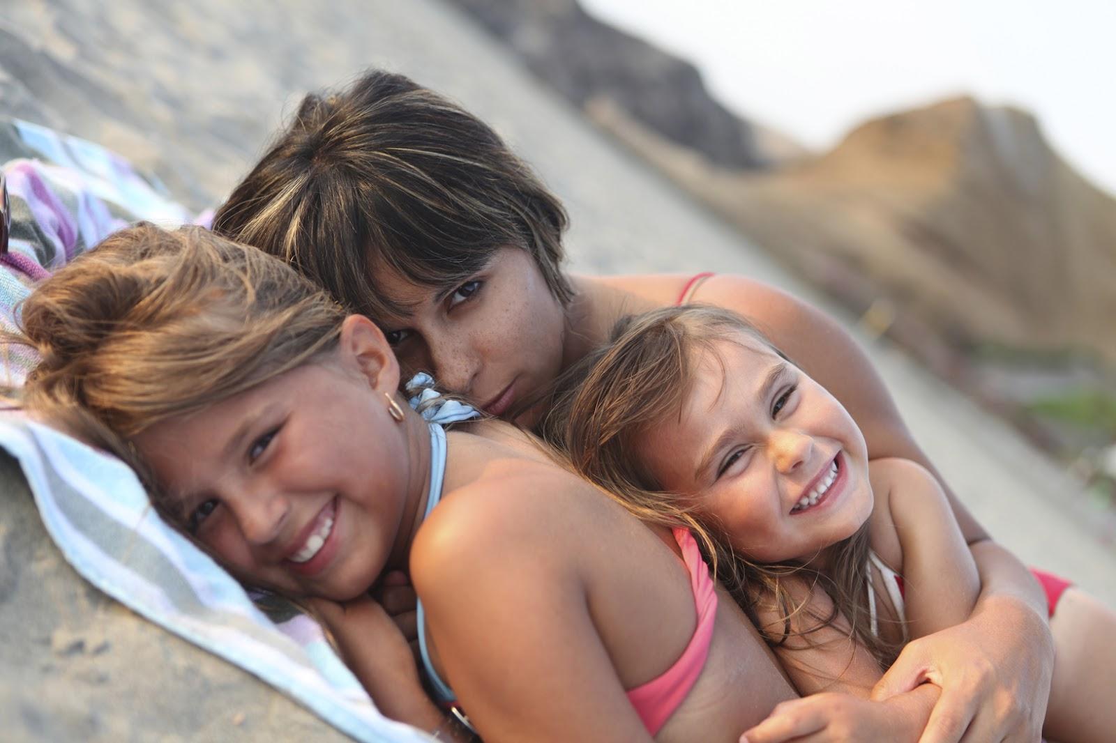 3 chica un chico masaje