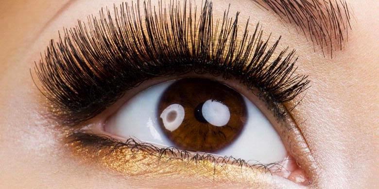 Как из карих глаз сделать голубые в 747