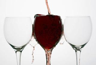 السرطان الوقاية منه تبدأ بالمائدة alcohol.jpg