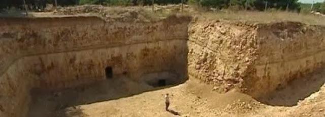 Είναι αυτή η αιτία του πολέμου; Η παλαιότερη πυραμίδα στον πλανήτη ανακαλύφθηκε θαμμένη στην Κριμαία!!! (Φωτογραφίες + Βίντεο)