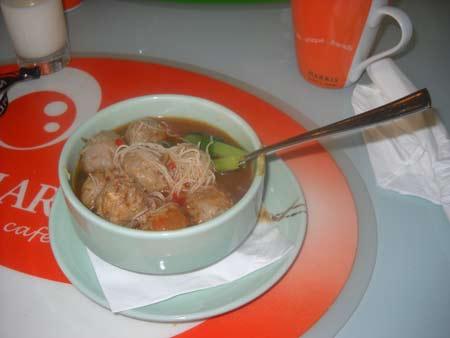 Bakso Super lezat hidangan di Cafe HARRIS Hotel Tebet yang pernah saya rasakan.  Foto dokumen Asep Haryono