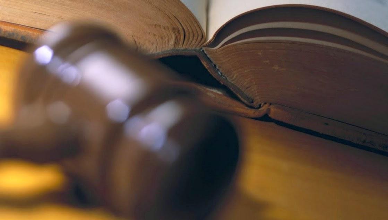 Fuerza de ley y Derecho constitucional