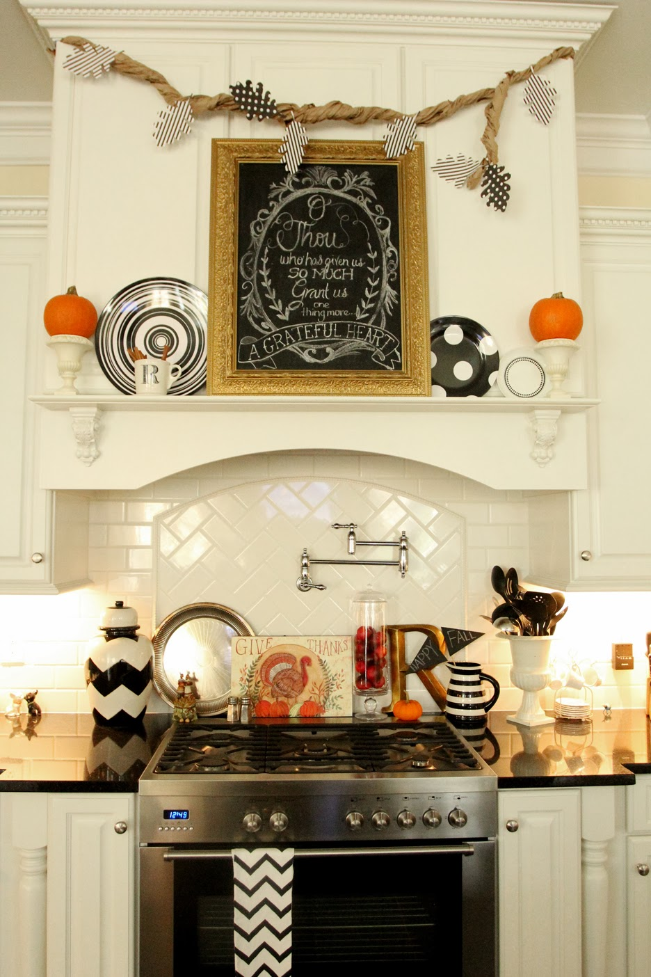 Decorating Ideas > Thanksgiving Chalkboard Art With Free Printables  Less  ~ 071759_Thanksgiving Kitchen Decorations