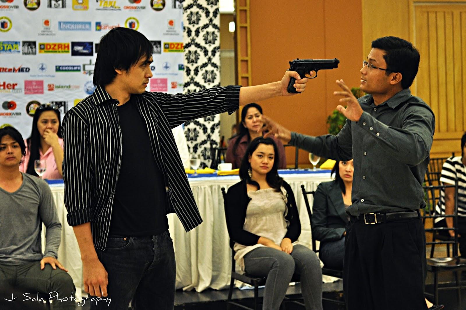 Tanghalang Pilipino's Political Play WALANG KUKURAP Opens Tonight, 9/14