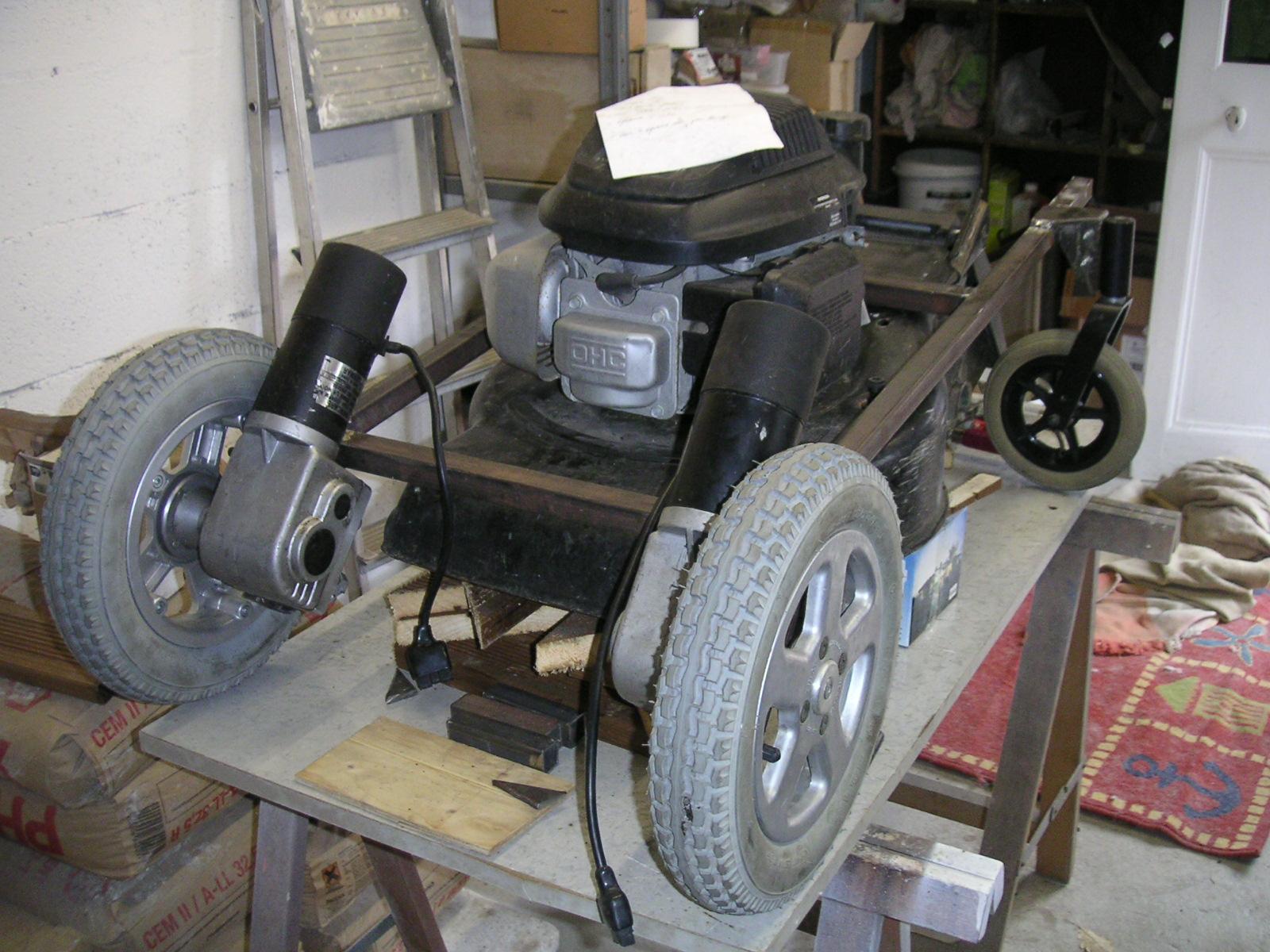 diy tondeuse rc lawn mower montage sur la tondeuse. Black Bedroom Furniture Sets. Home Design Ideas