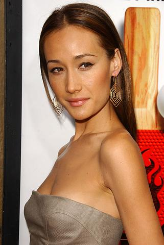 maggie q sexy cleavage 01