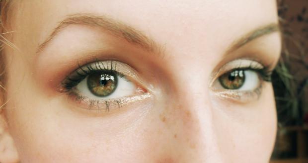 Dzisiejszy leniwy makijaż i dwie recenzje