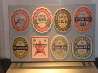 Etiquetas de la cerveza Heineken, en el Museo de Heineken en Amsterdam