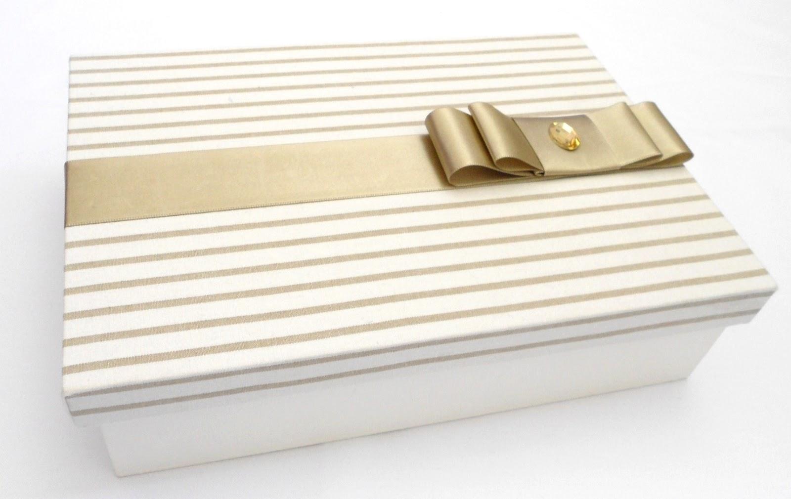caixa de madeira forrada em tecido para lembrança de batizado ou #472D0E 1600x1010