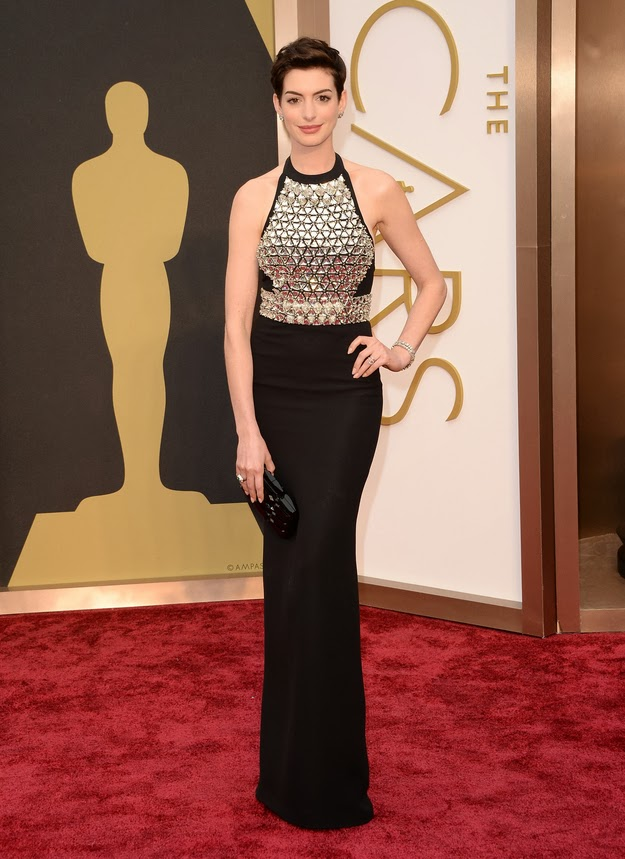 Anne Hathaway in Gucci at the Oscars