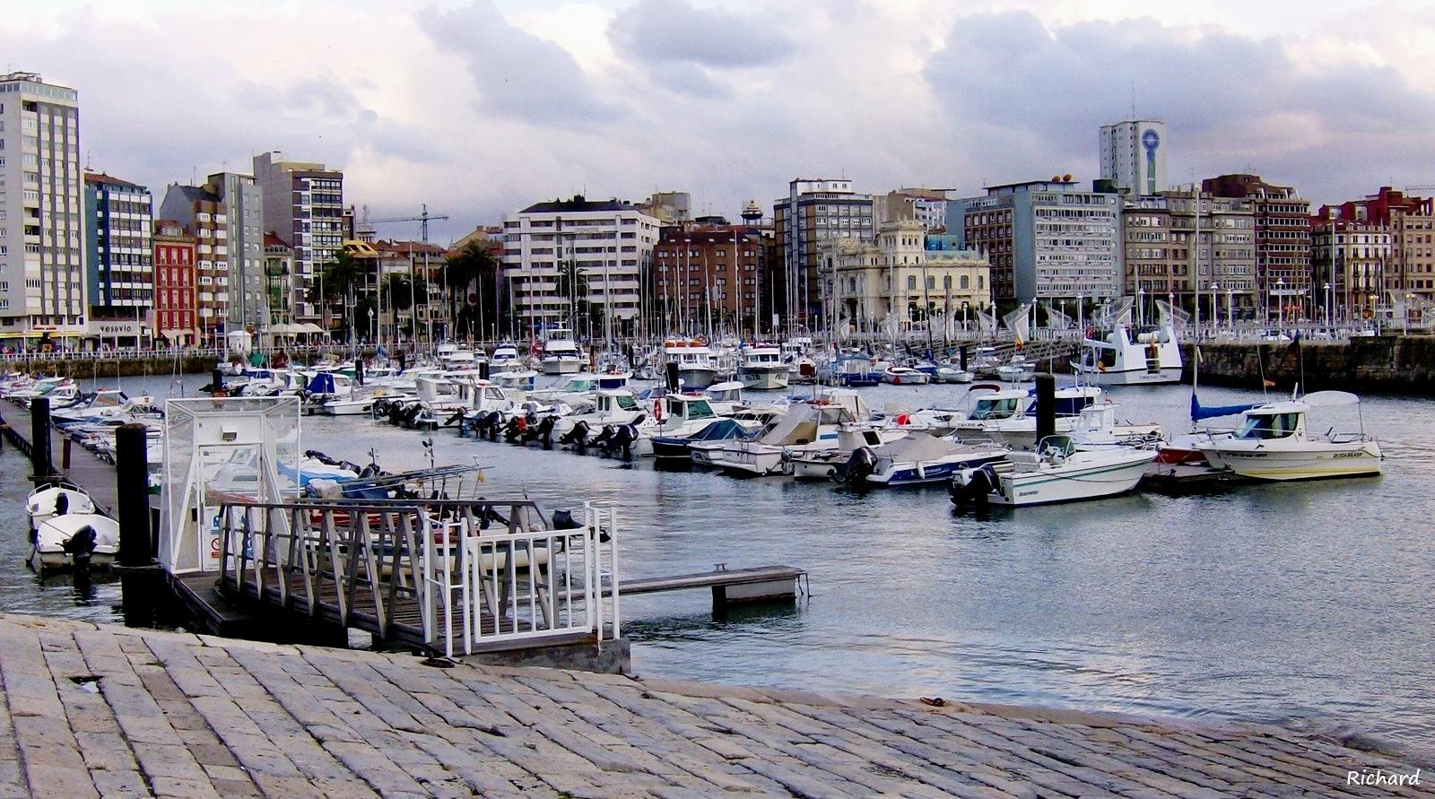 Asturias gij n - Puerto deportivo gijon ...