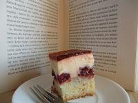 http://cecilecupcakecafe.blogspot.de/2013/07/kirsch-schmand-torte.html