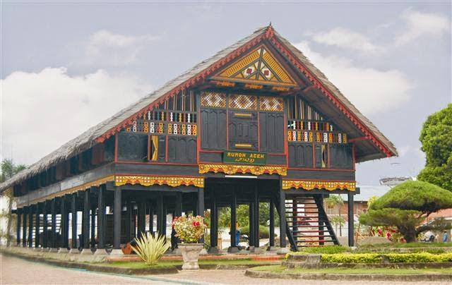 Rumah Adat Daerah Istimewa Aceh