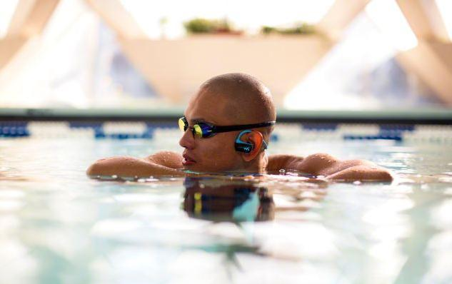 earphones for work for swimmers