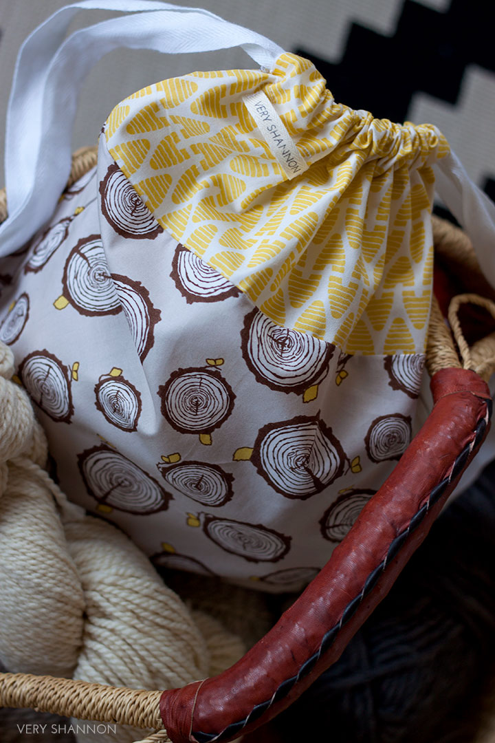 Bonnie Drawstring Project Bag Tutorial // VeryShannon.com