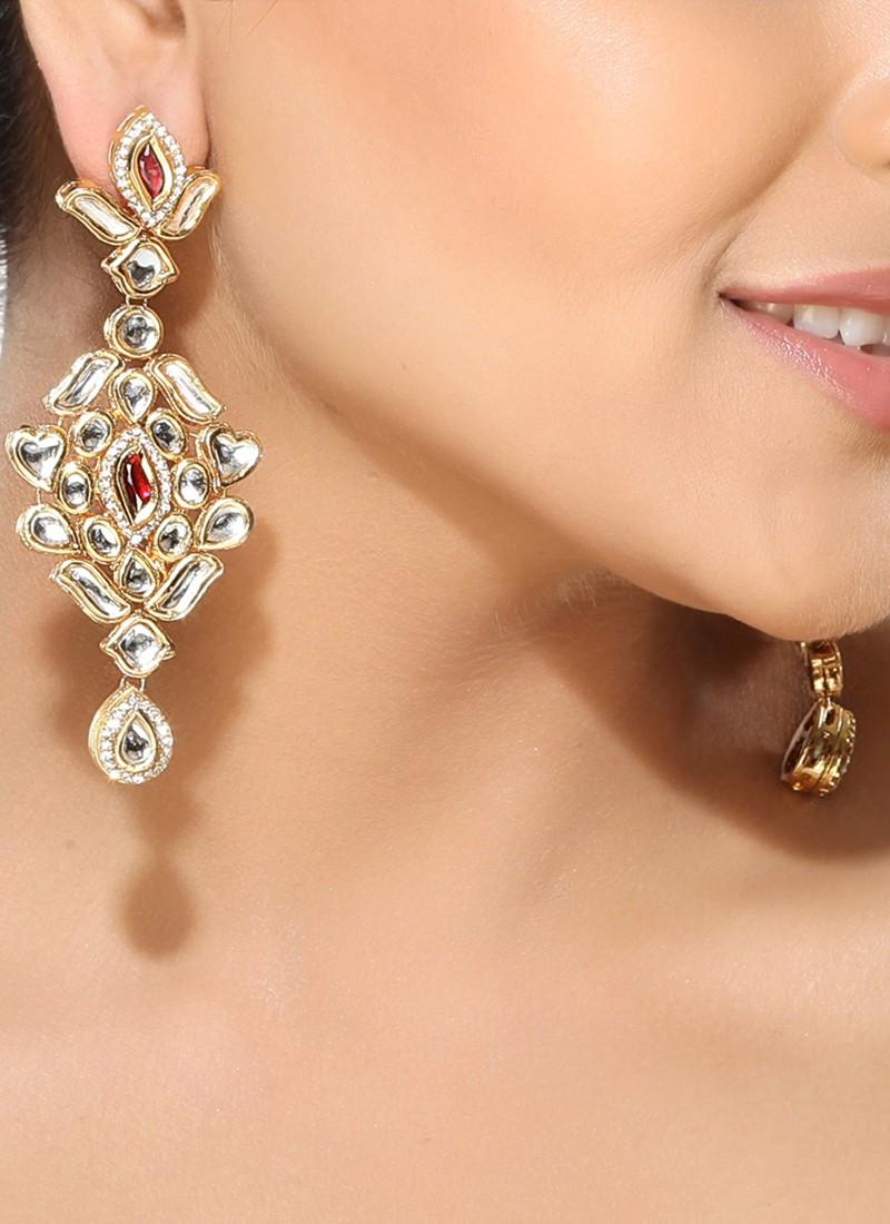 Elegance of living: Indian Earrings Designs