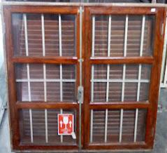 janela com grade embotida 100x100