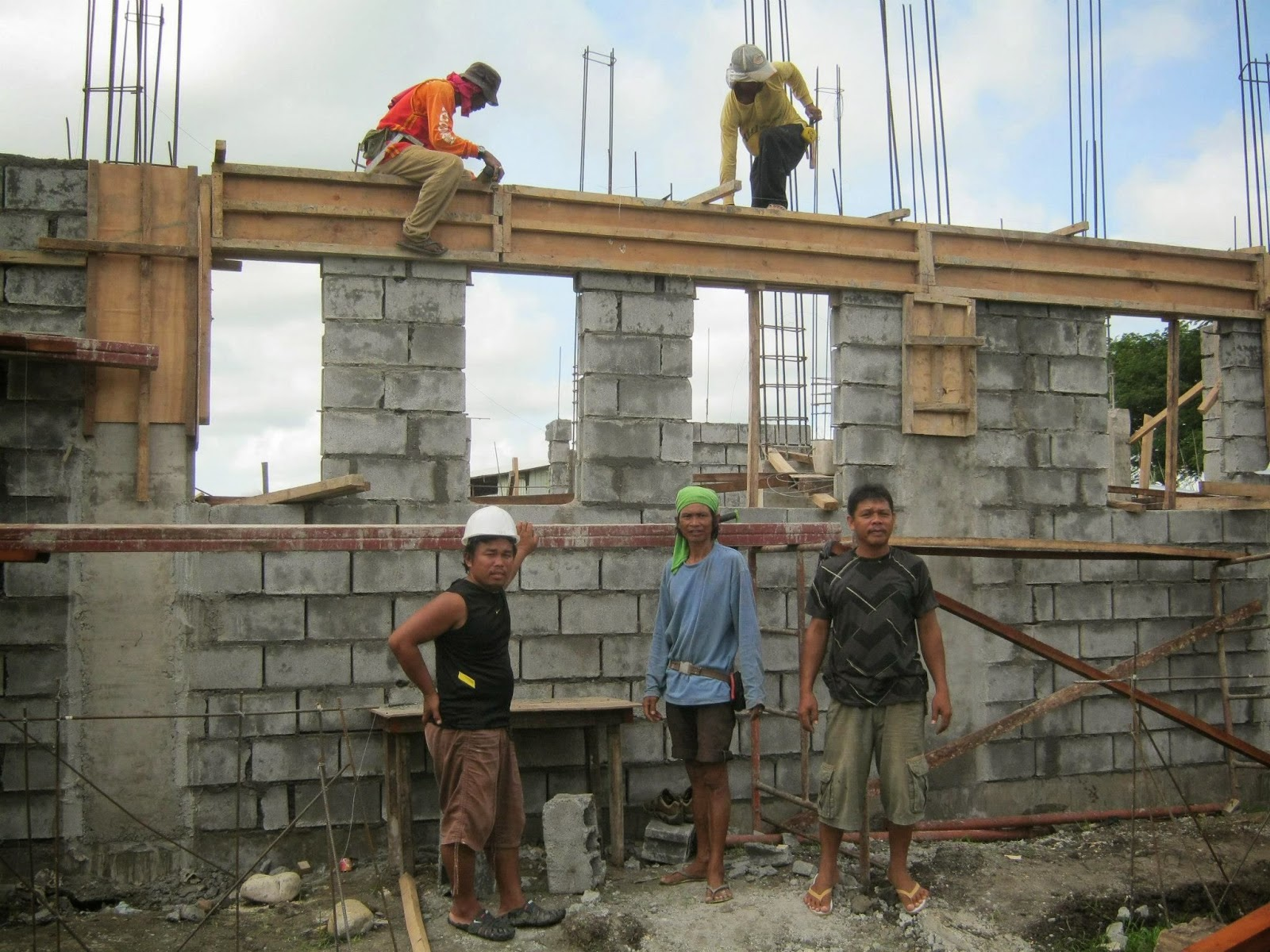 Savannah trails house construction project in oton iloilo for Modern rest house design