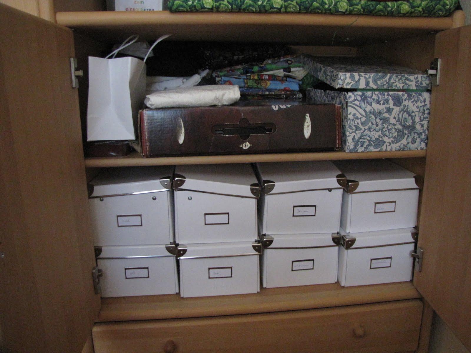 Claudias quilt blog meine kleine n hecke my sewing corner for Schrank quillt auf