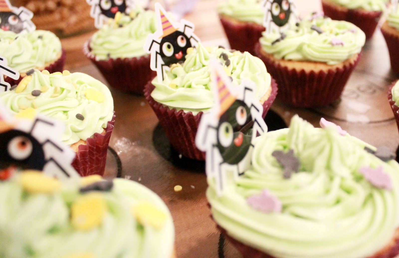 Cupcake Decorations Asda : Halloween Cupcakes. - From Rachael Claire