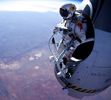 Skydiver Felix Baumgartner on track for super jump