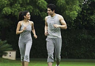 Lari ditaman merupakan contoh dari pola untuk hidup yang sehat