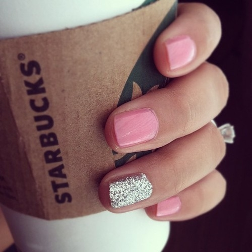 Sprinkles And Champagne: Nail Polish Trend: Accent Nails